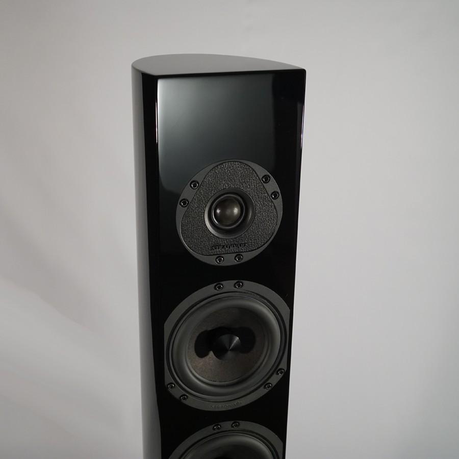 8Stradivari-speakers-Amorat-mid-high