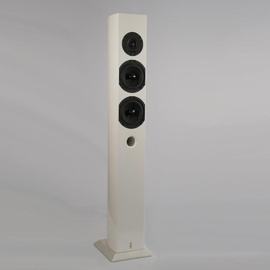 12Stradivari-speakers-Amorat-white
